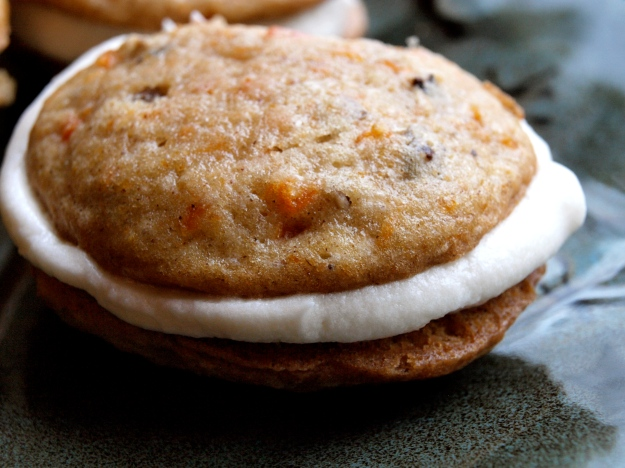 Carrot Cake Whoopie Pies Frosting Full