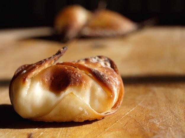 baked cream cheese wonton