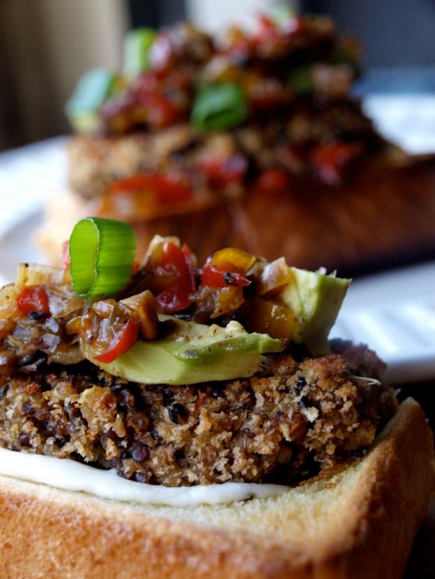 Quinoa burger sandwich 2