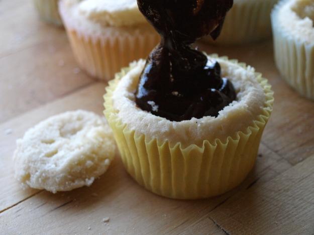 Coconut cupcakes filling ganache