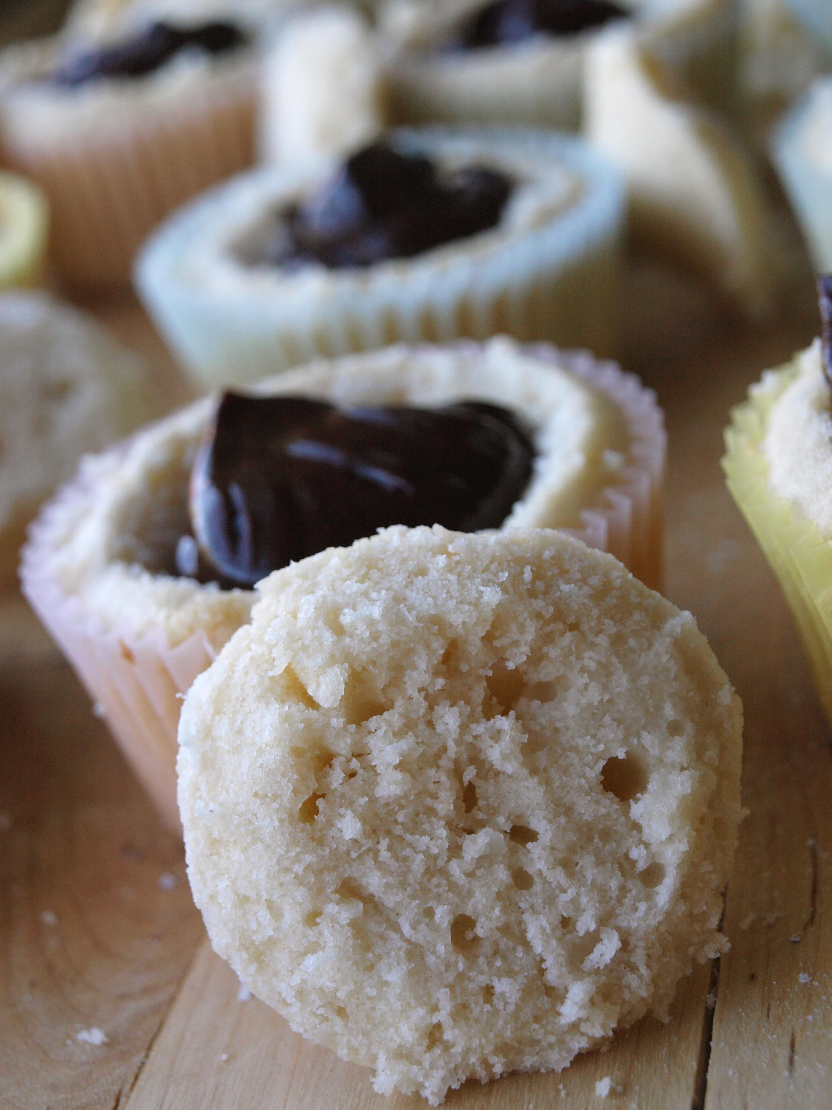 Coconut cupcakes filling ganache 3