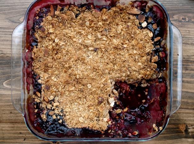 Finished blueberry raspberry crisp