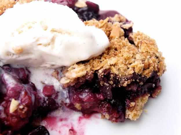 raspberry blueberry strawberry crisp ice cream