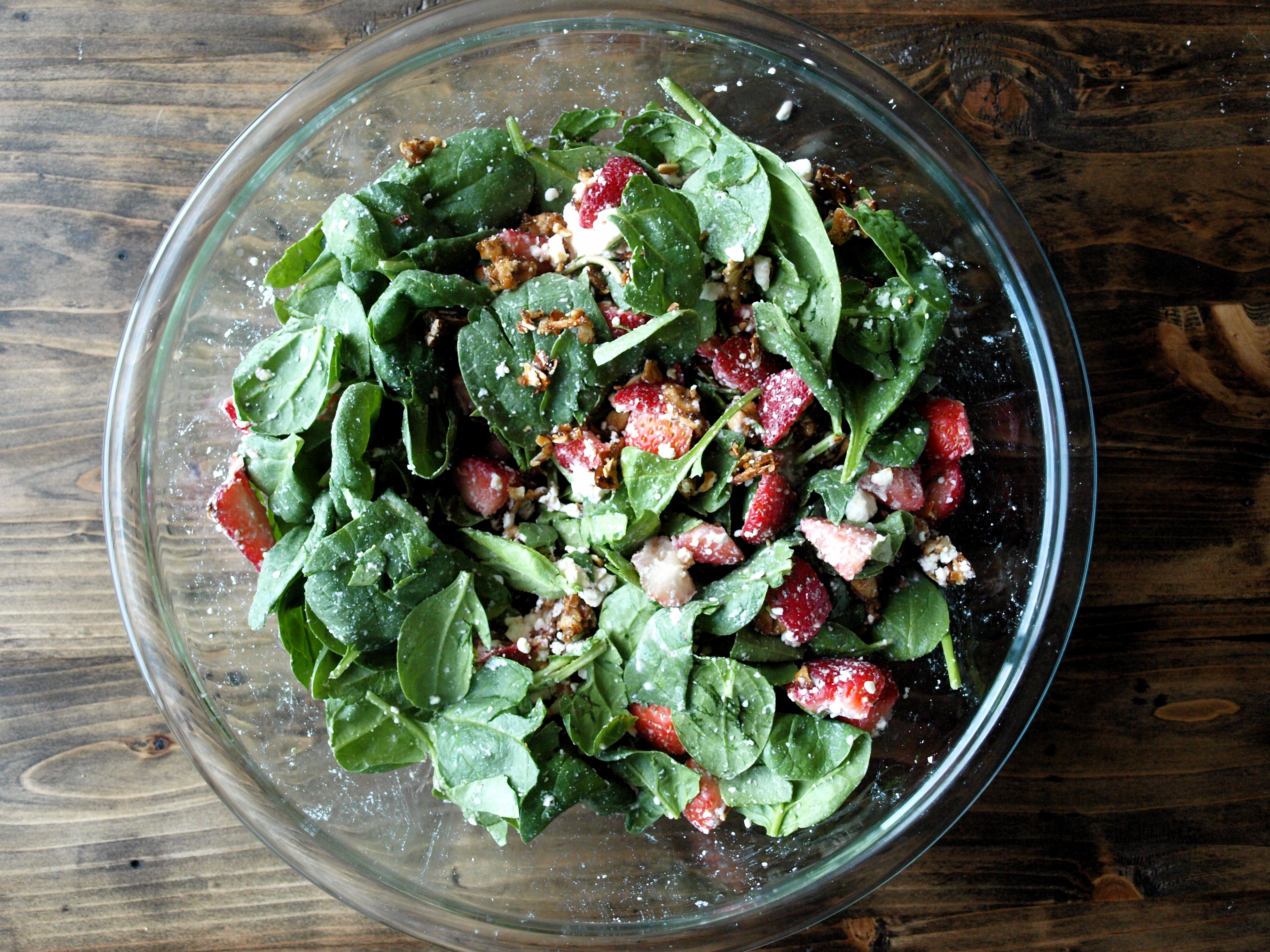 Candied almond strawberry spinach salad