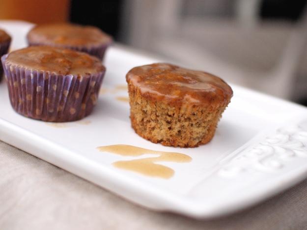 apple banana cider muffins liner