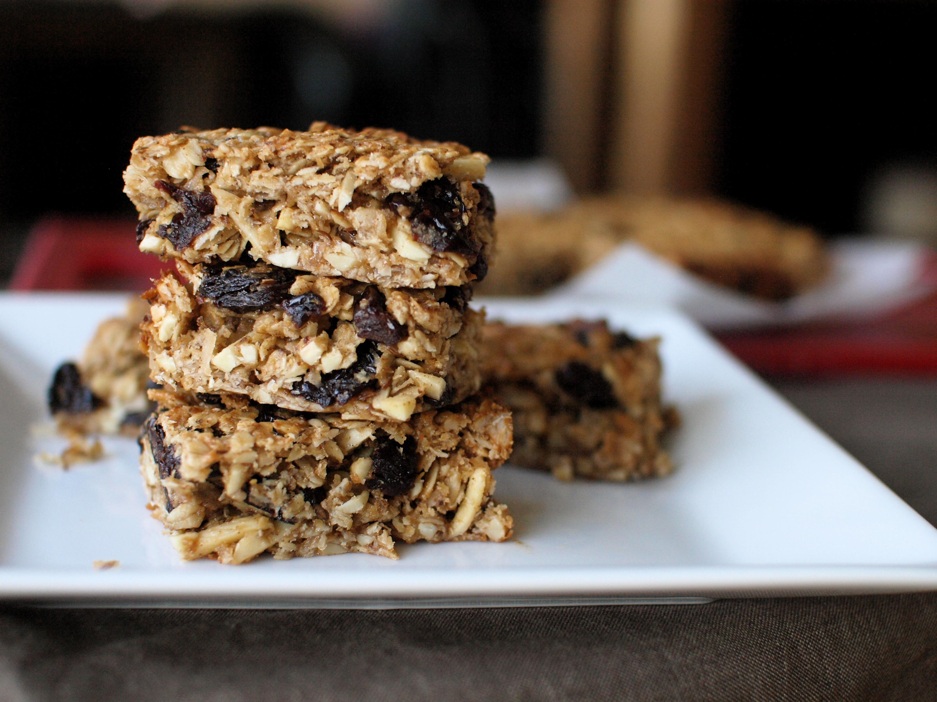 chewy cherry coconut granola bars